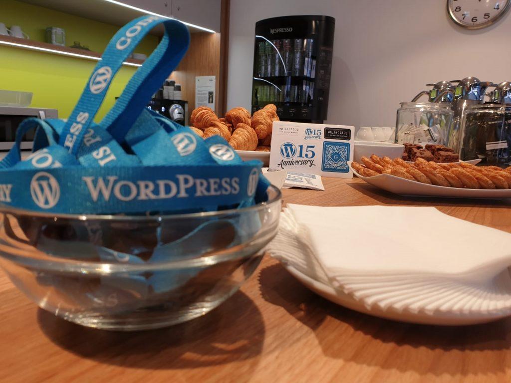 merienda-post-charla-en-una-meetup-de-la-comunidad-WordPress